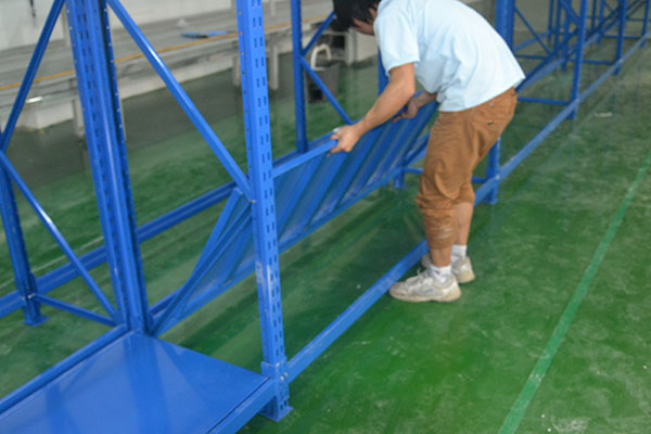 二层货架层板安装